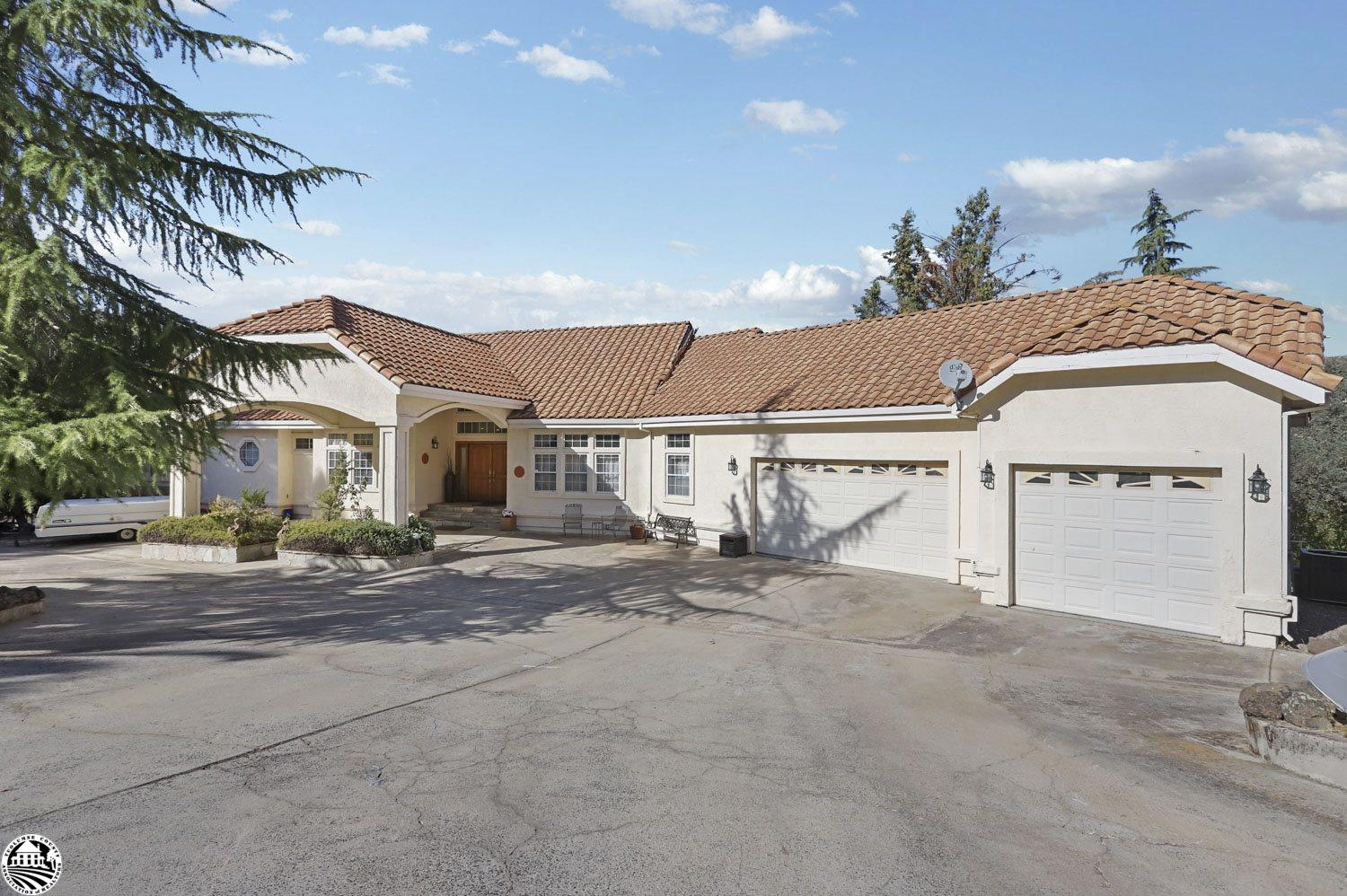 Photo of 14772 Holman Mountain Road, Jamestown, CA 95327