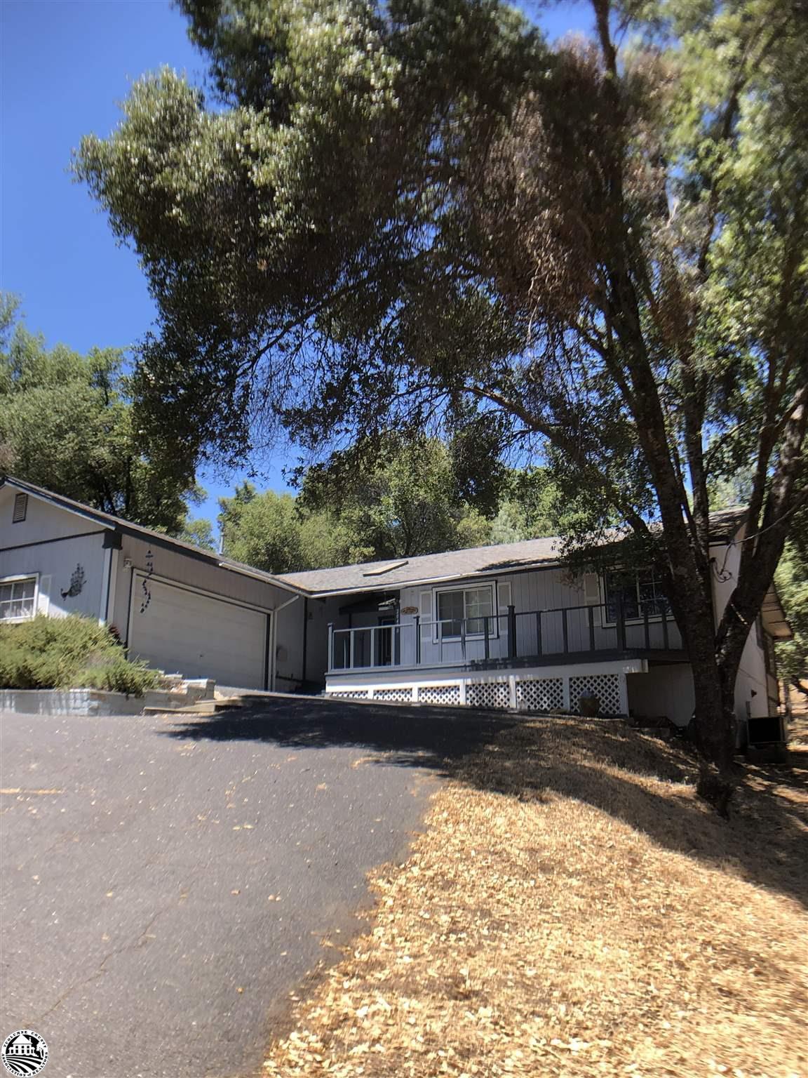 20470 Ferretti Road, Groveland, CA 95321