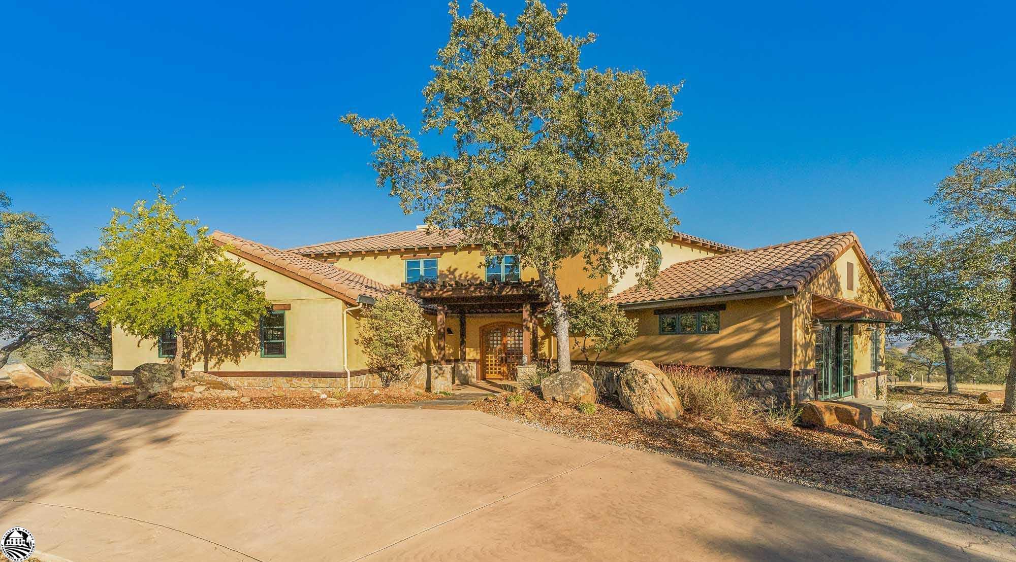 10330 Vista De La Sierra Drive, La Grange, CA 95329