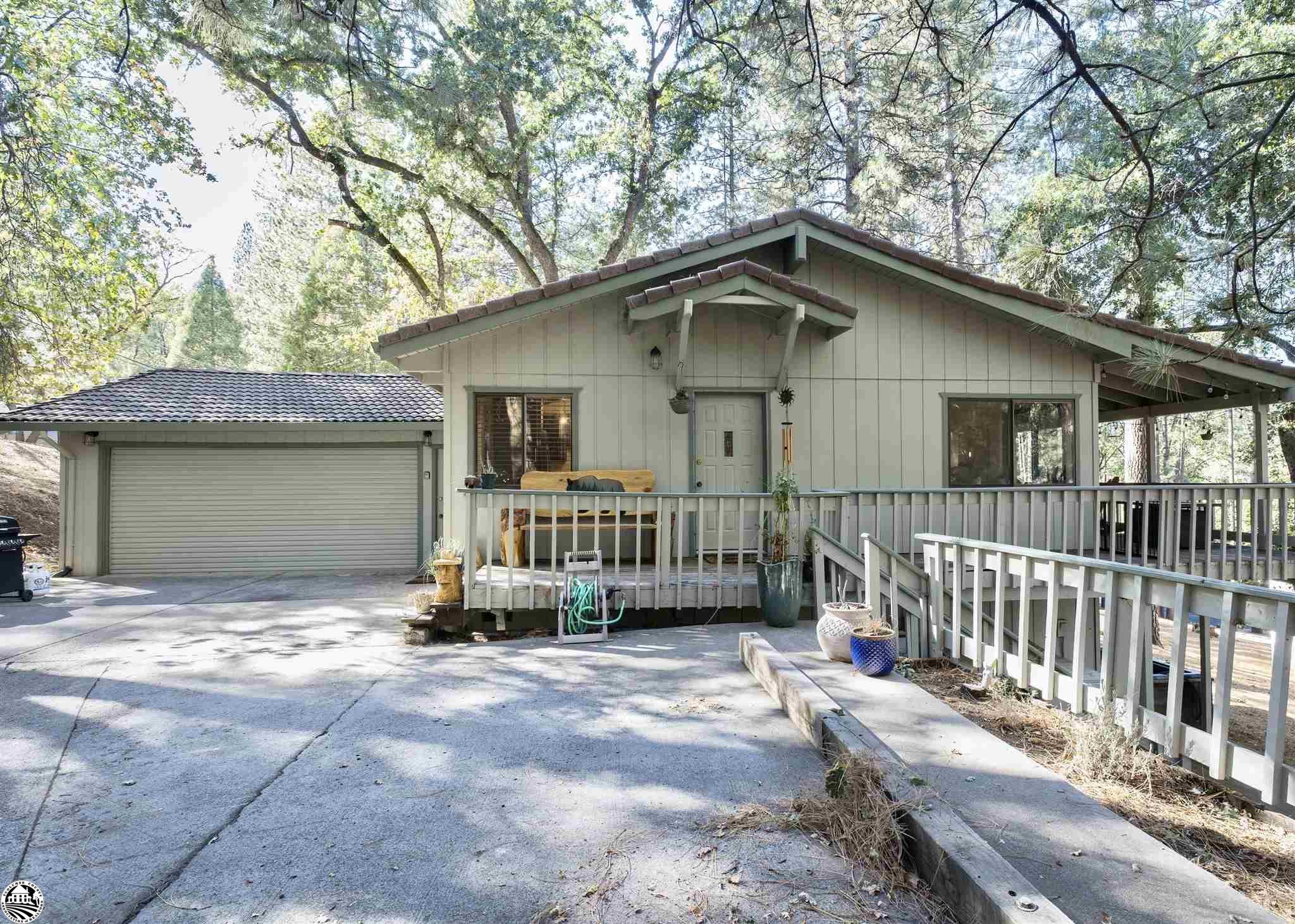 19444 Pine Mountain Drive, Groveland, CA 95321